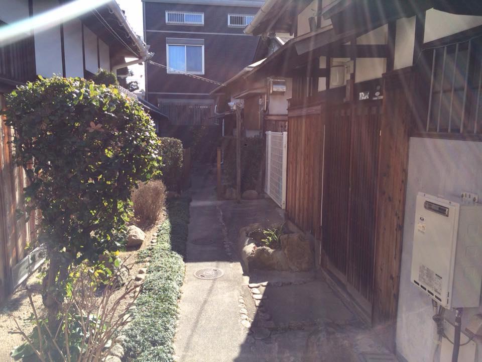 尼崎の塚口の古民家事務所にてコンサルのT先生と打ち合わせ